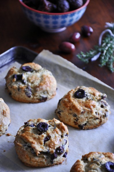 """""""Fig, Olive and Thyme Scones Recipe"""""""