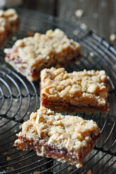 Dried Apple and Raspberry Oat Bars Recipe