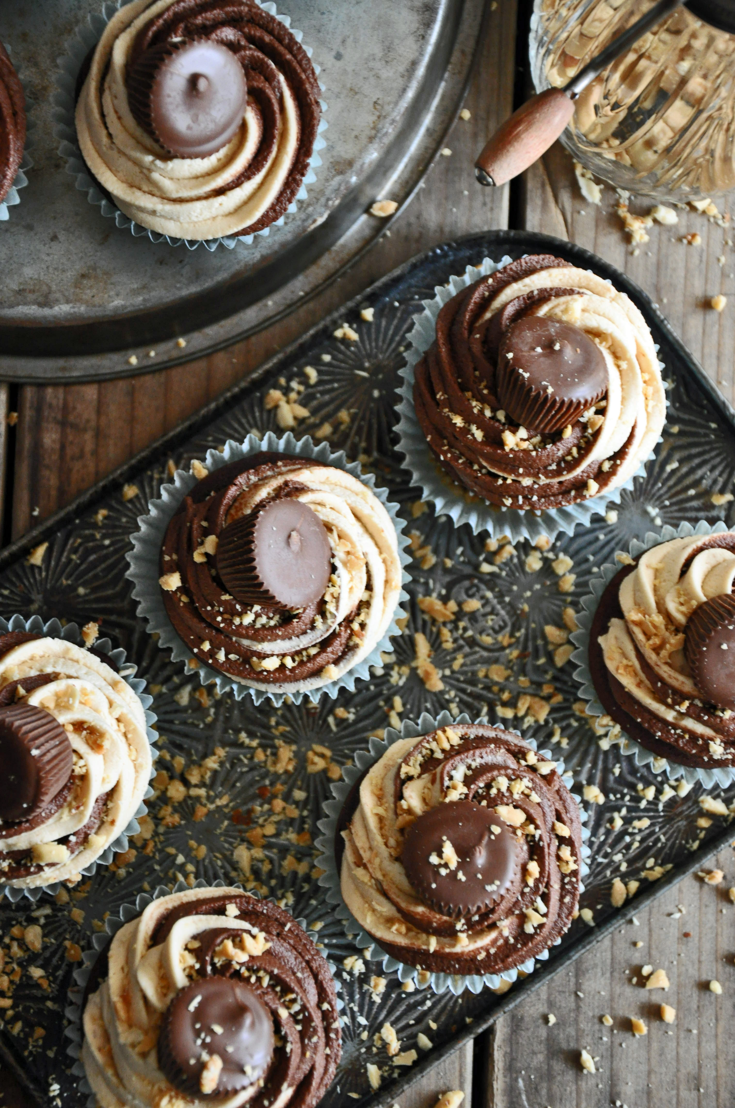 Devil's Food Cupcakes w Choc and Peanut Butter Twirled Frosting Recipe
